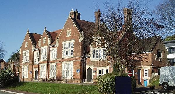 Peter Symonds College